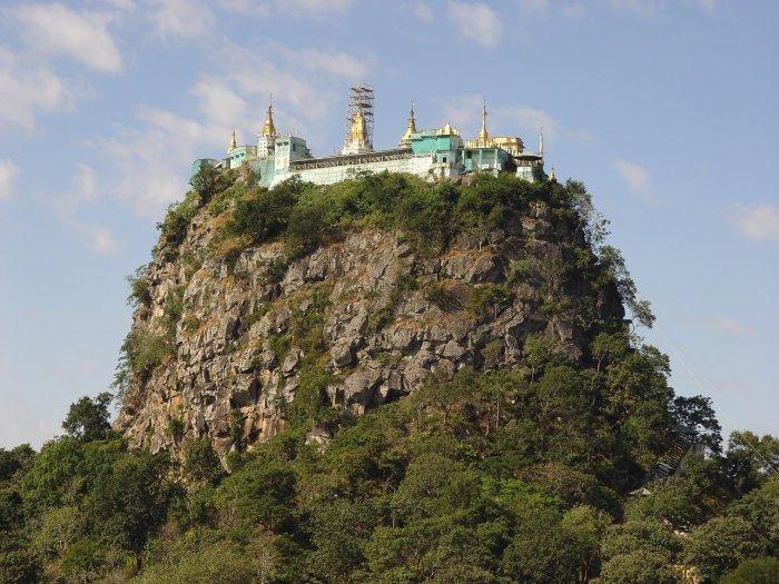 Popa (Barma, Shutterstock)