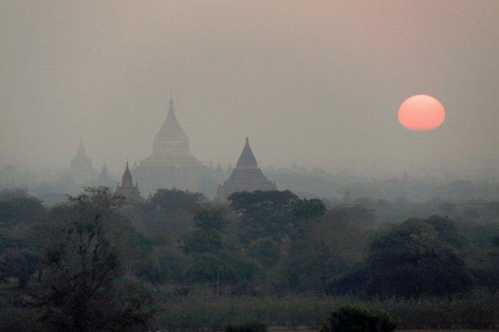 svítání nad Baganem (Barma, Michal Čepek)