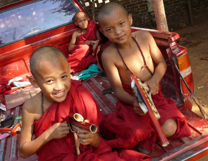 8)Blýskavý Golden Rock -C (Barma, Jaromír Červenka)